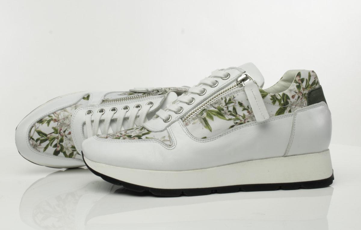 kara-art-sneaker-tak-van-bloeiende-azalea